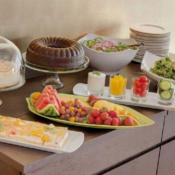Sonnengut-Restaurant-Kuchen-und-Salate